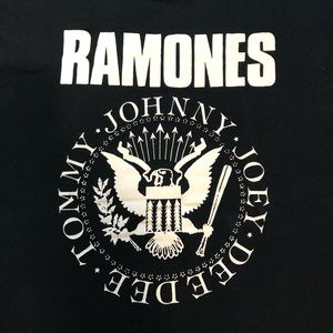 Shirts - The Ramones graphic T-shirt Size XL